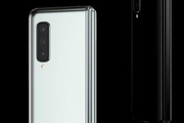 Galaxy Foldはauから日本発売予定。技適取得済み【折りたたみスマホ初上陸】